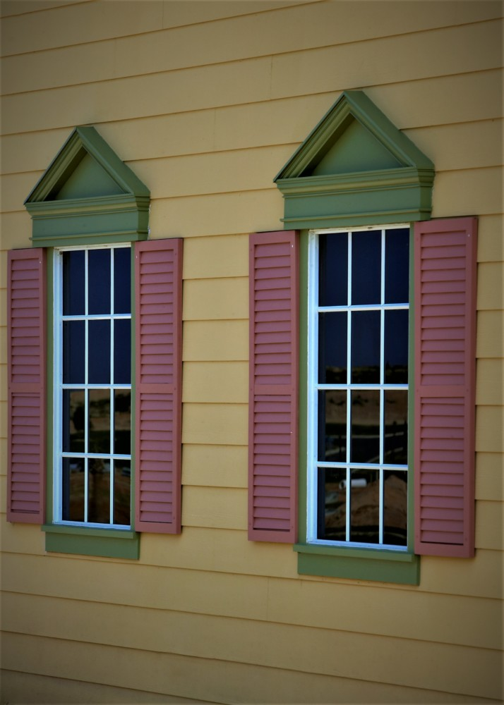 Colony Cottage Pink shutters 2 5X7
