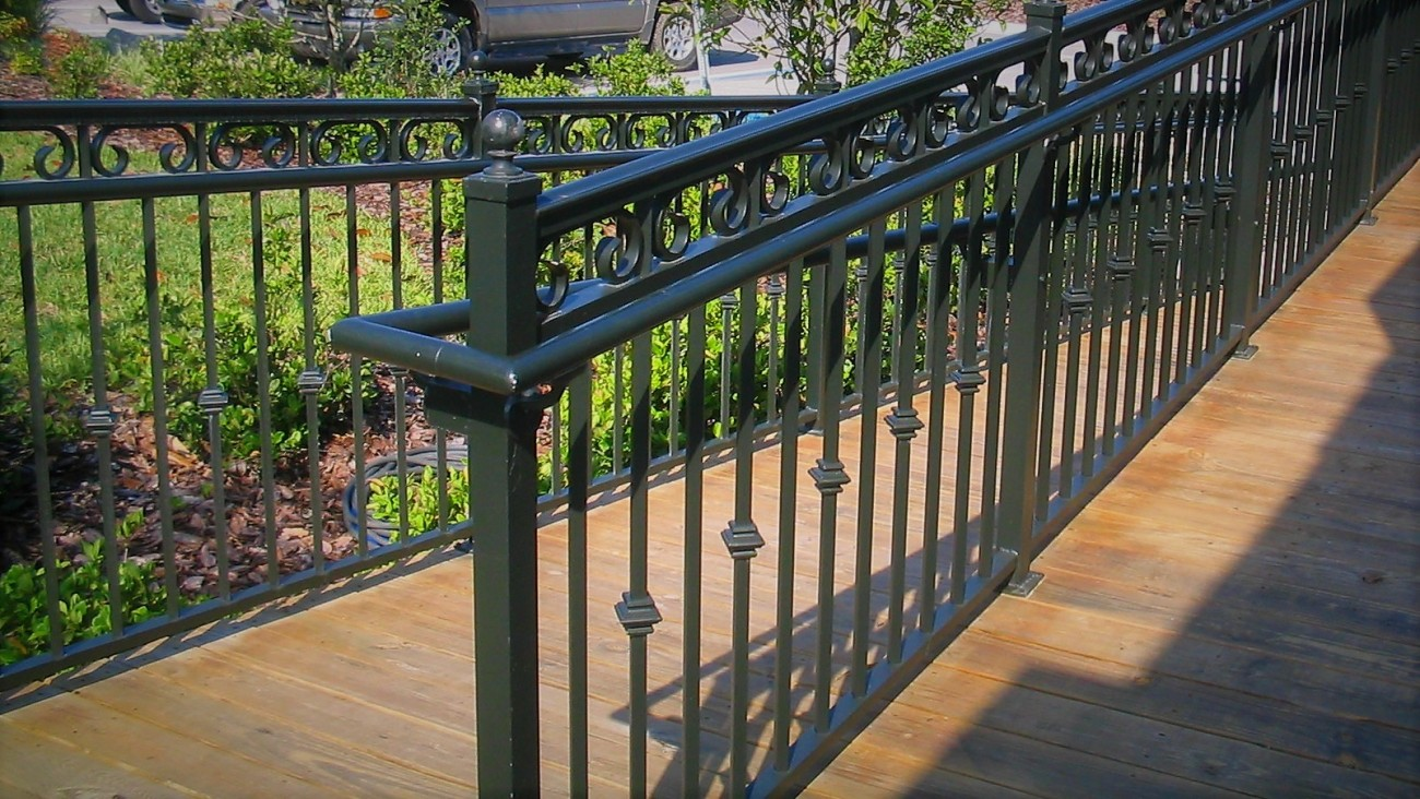 aluminum fence custom aluminum finyl sales