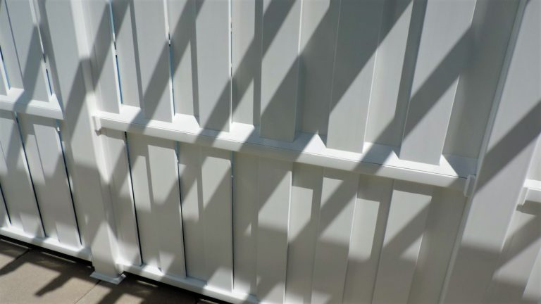 Vinyl PVC custom fence Finyl Sales Shadow box fence