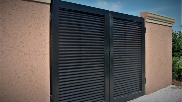 Riverwood louver gates 5 wide